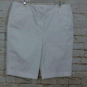 Dana Buchman | White Walking Shorts
